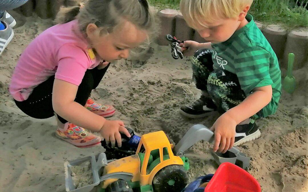 Neustart Café Kinderwagen- Outdoor auf dem Spielplatz!